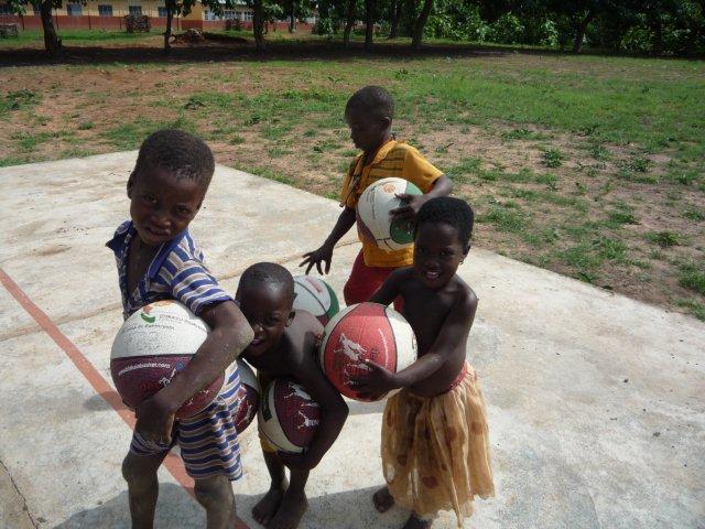Balones para Benin
