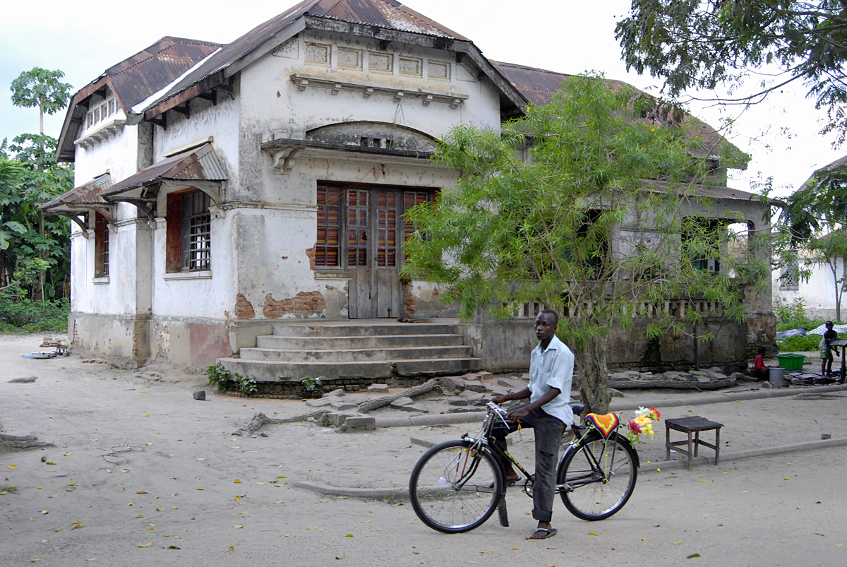 Una bici en Kisangani, Piedra de Toque