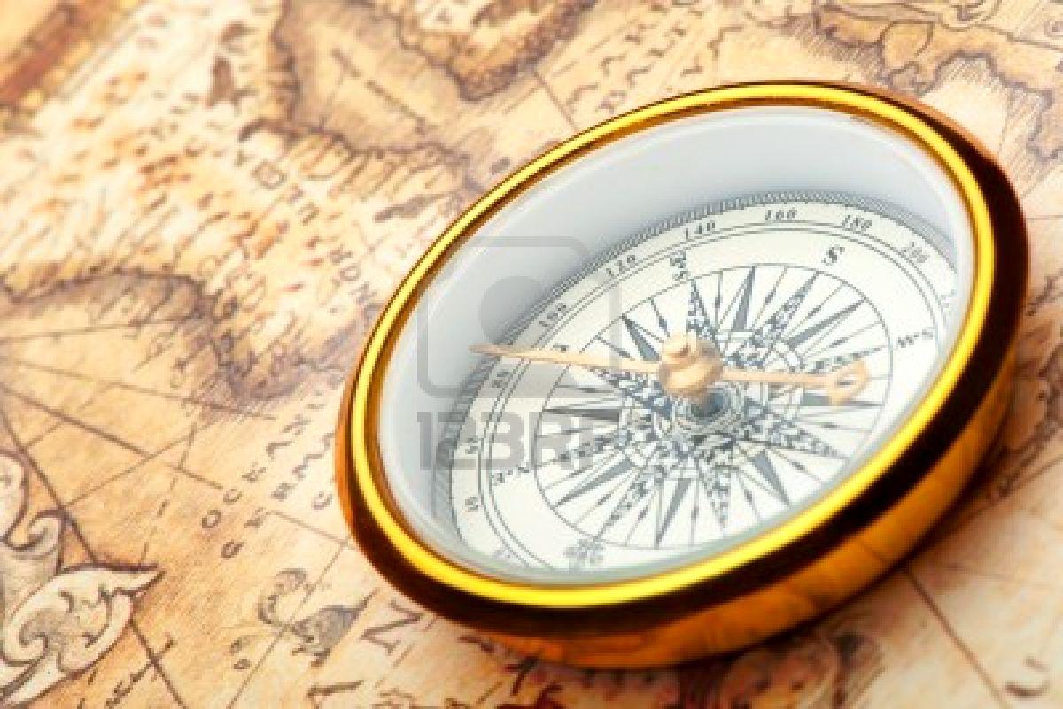 Ficha de Jean Paul Simmons 7949168-br-jula-vieja-en-el-mapa-antiguo-una-br-jula-con-la-antigua-imagen-de-una-direcci-n